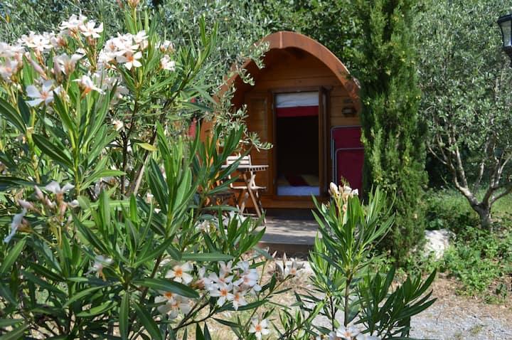 Une Cabane Pod insolite à Vogüé près des Gorges