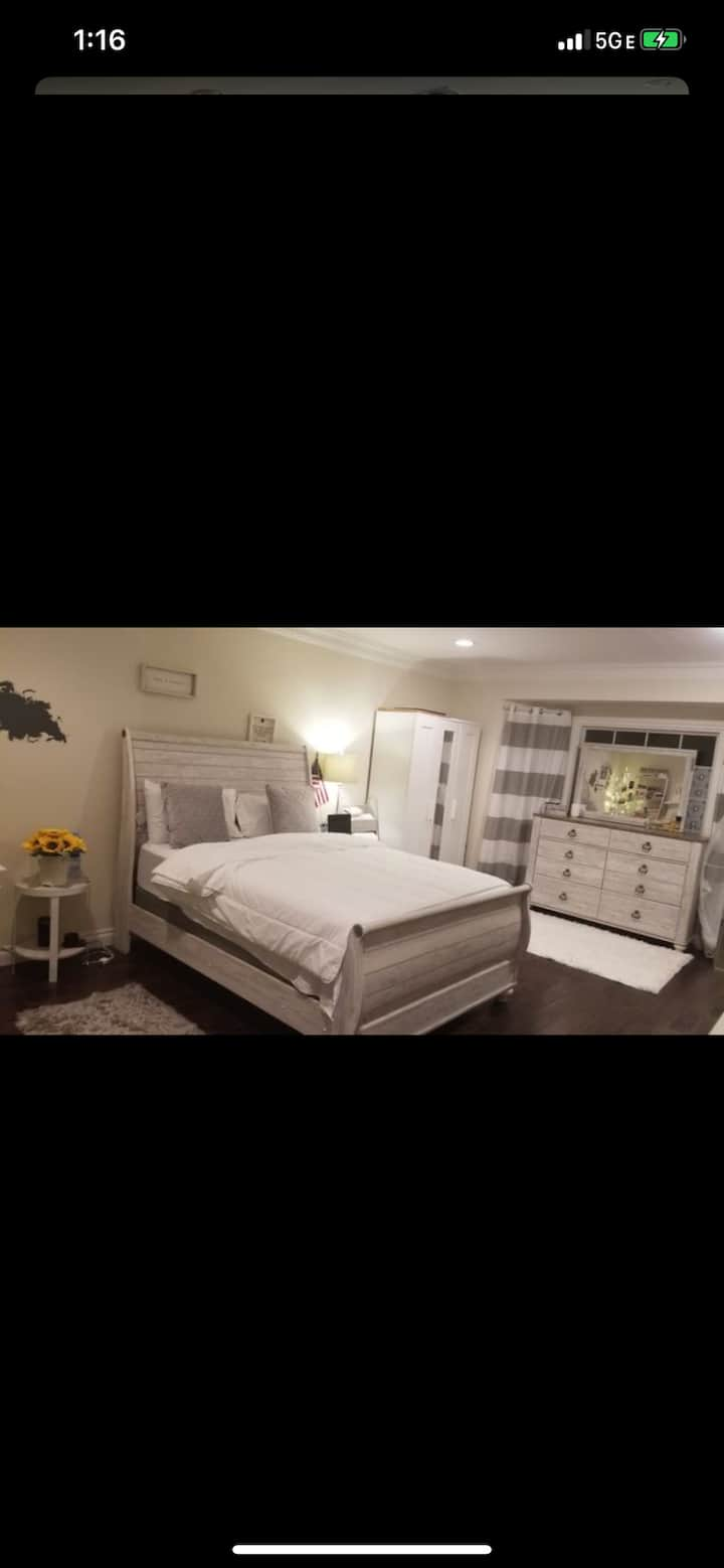 Gorgeous private room for rent