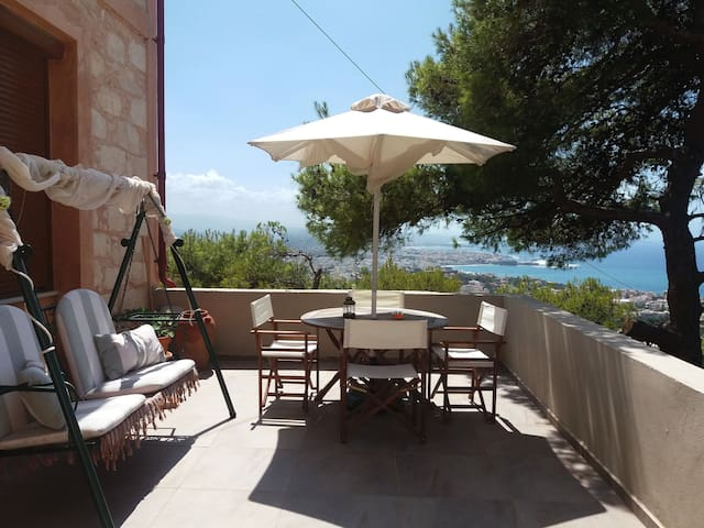Sleeps 5 persons, Old Stone renovated house - Χανιά - Daire