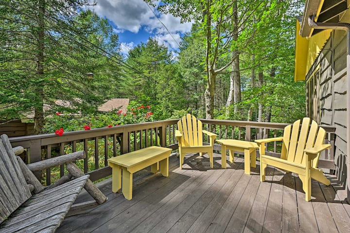 NEW! Cozy ADK Cabin w/ Porch; Walk to Schroon Lake