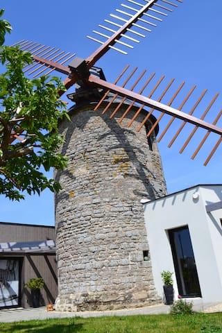 Chambre d'hôtes dans un moulin du XVIè siècle