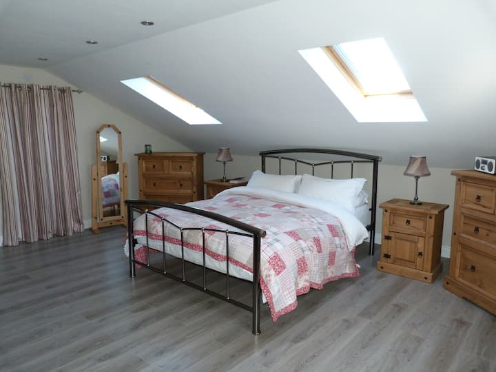 Bright, spacious room in detached semi rural home