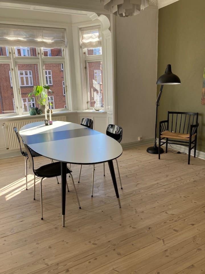 Hyggelig lejlighed i Aarhus C.