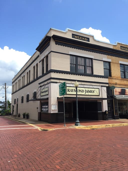 View of Building from Main Street or Plaza Principle.
