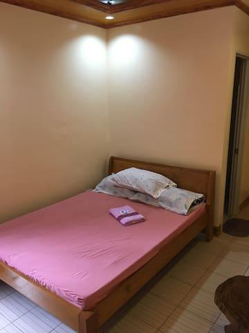 Irosin Valley lodge Fan Room