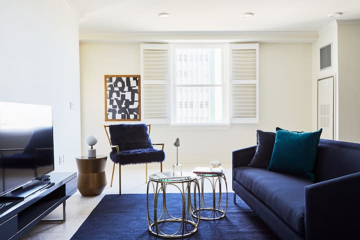 Sonder | Canal Street | Bold 2BR + Rooftop
