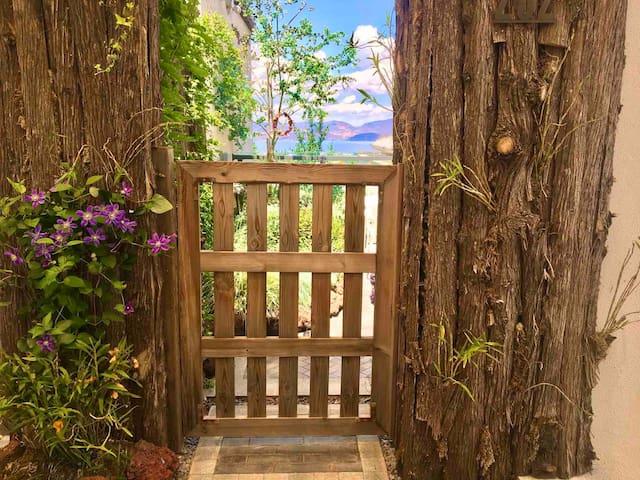 大理的小院子  花馨花园别墅  独门独户:一室一厅一花园 含早  洱海景观房  近寂照庵 免费停车