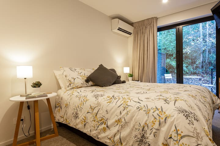 Brand New Room with Ensuite - Queenstown Hill