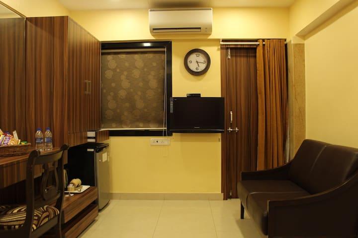 Standard room (Bandra west Mumbai)
