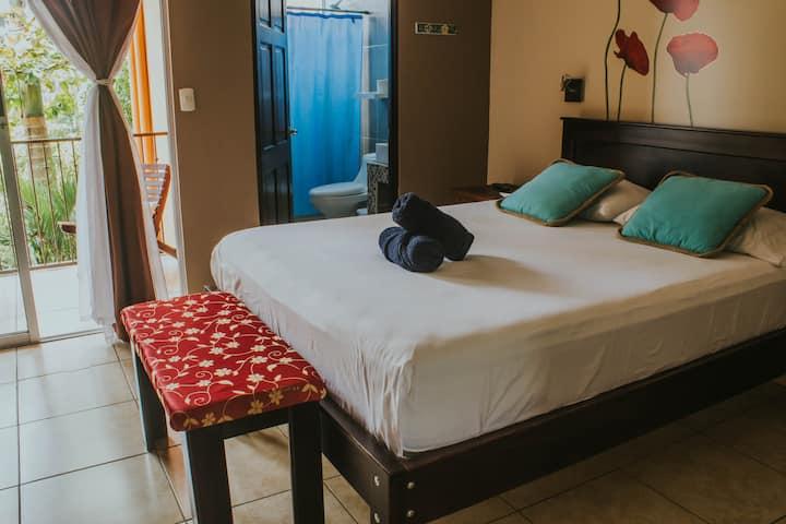 #9. Casa de Lis-Turrialba center! Triple room.