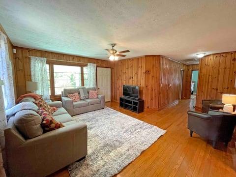 Secluded 3-Bedroom East Tennessee Getaway
