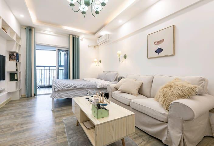 全新装修,房间共50平米!为您提供入住的舒适体验