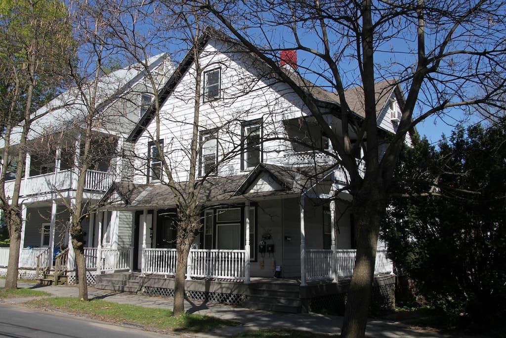 134 Woodlawn Ave