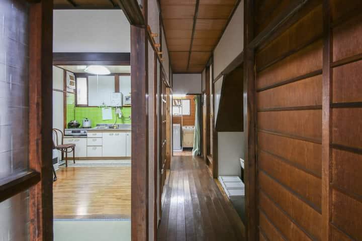 マンスリー昭和古民家 大家族に最適 一軒家 上野浅草寺に近い