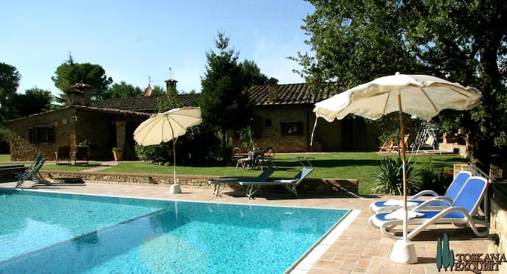 3 houses - perfect for a group - Tuscany at its best