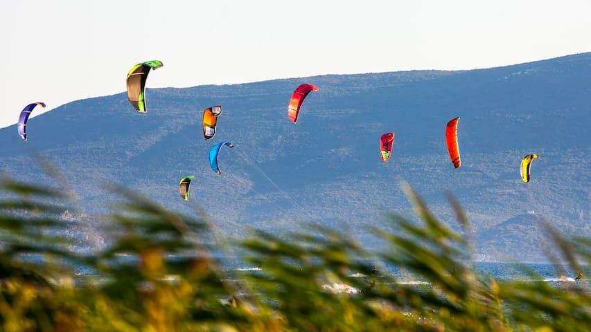 For 3,  10' car drive to Neretva kite center