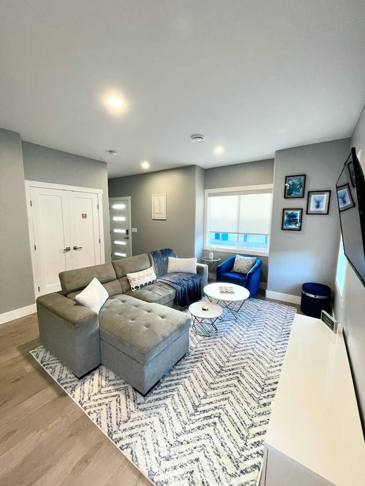 A Modern Oasis Duplex- Minutes from Lake Okanagan!