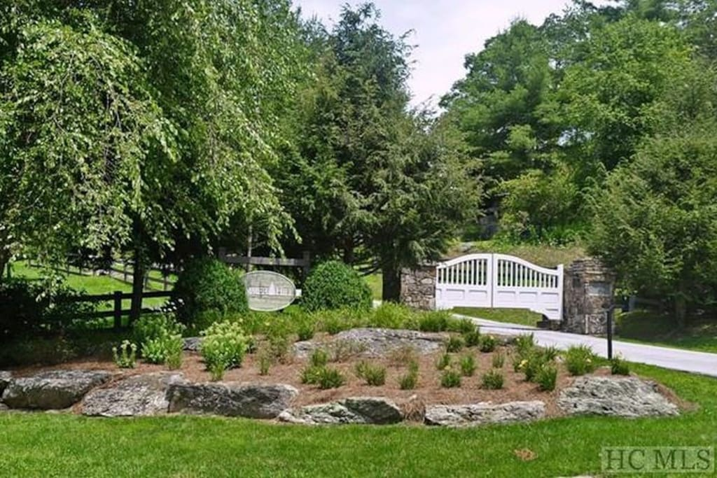 Summer Hill Development - A gated community on the Western shores of Lake Glenville.