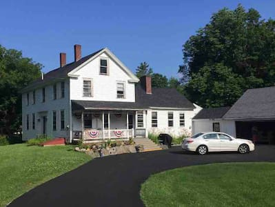 Charming 100 year old Farmhouse near Sunapee