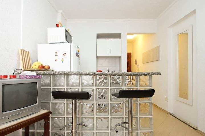 Apartamento na Rua Frei Caneca - proximo da Av Paulista.