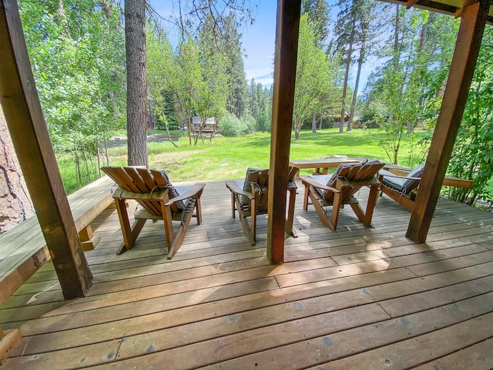 Metolius River Resort Cabin 1