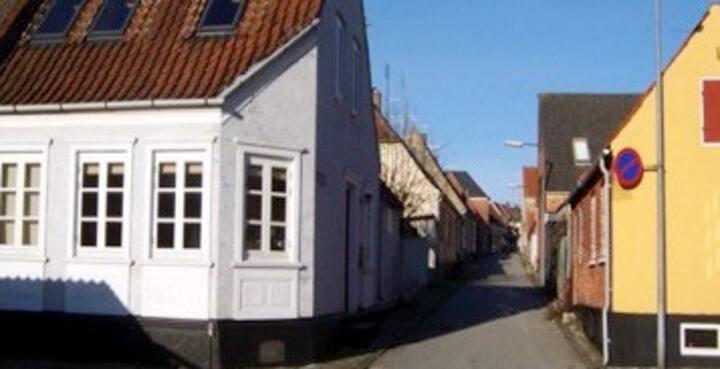 hyggeligt byhus i Marstal tæt på strand