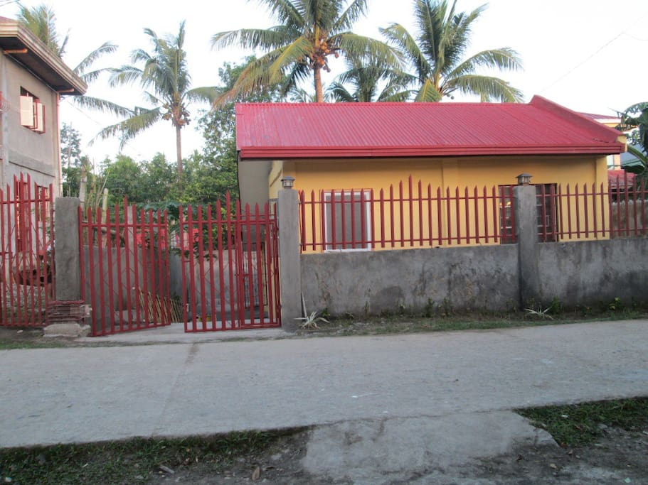 Frontage - House for Rent in Bicol Sipocot Camarines Sur Contact: Michael Canino Sun: 09327173600 Globe: 09179373514 Smart: 09293785308 Email: mcrealestateph@gmail.com Website: www.mcrealestateph.wordpress.com