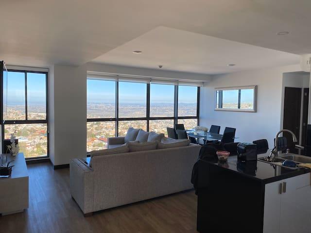 Entire penthouse 3bedrooms2bath w/private terrace