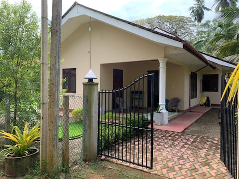 WELCOME TO RATNA HOMESTAY - BENTOTA