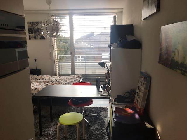 Studio au centre ville - Lozanna - Apartament