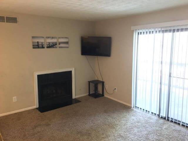 Spacious 2 BR 2 Bath 15 minutes from Atl. Sleeps 6 - Marietta - Wohnung