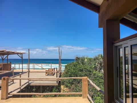 Musica do Mar, Ocean View, Beach Front Apartment
