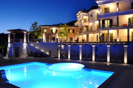 Monolocale con Terrazzo e spiaggia per 3 persone - Alba Adriatica