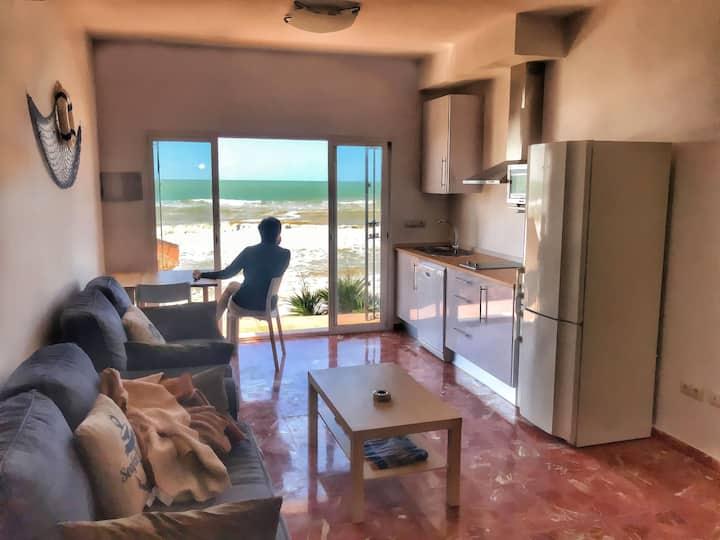 Apartamento 8. A la orilla del mar