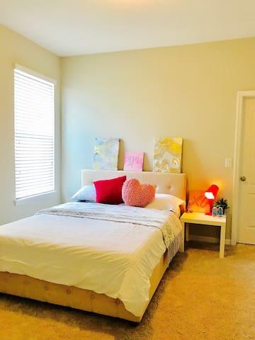 Deland Modern Bedrooms for rent