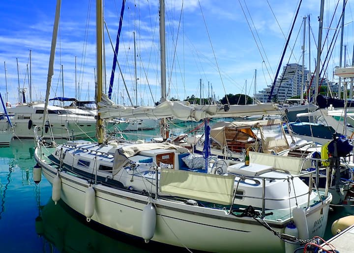 Accommodation on a Sailing Boat - French Riviera