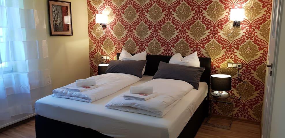 Standard-Zimmer 112 in der Villa