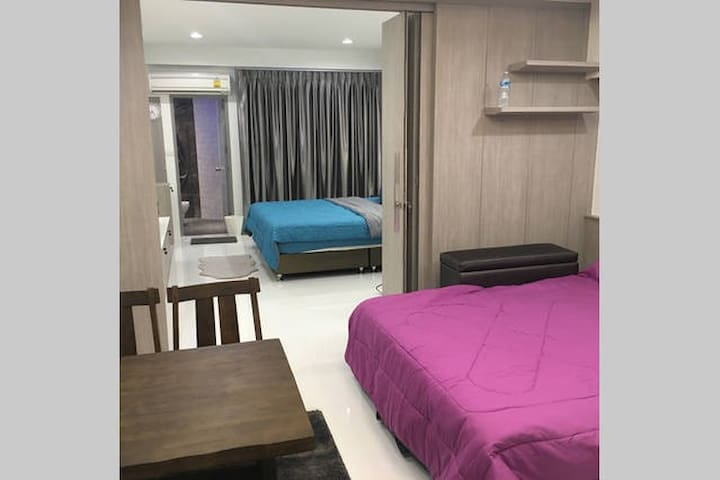 Family Room Condo 3 NrShoping Mkt PratunamFreeWiFi - Bangkok
