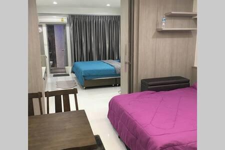 Family Room Condo 3 NrShoping Mkt PratunamFreeWiFi - Bangkok - Huoneisto