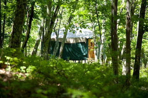 20' Yurt in the Shawangunk Mountains