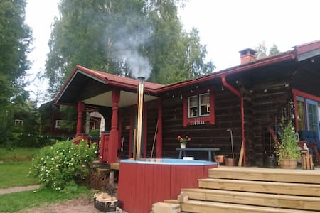 Large log cabin Siljansnäs