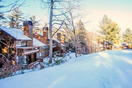 Mountainside at Attitash (slopeside ski in / out) - Bartlett