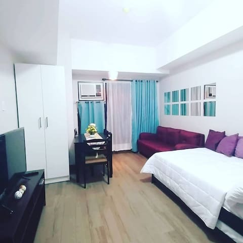 Affordable Condo in Cubao Q.C. w/ WIFI & NETFLIX