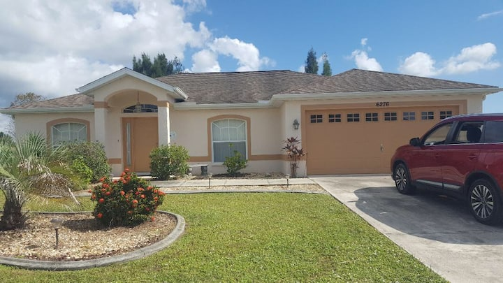 Port Charlotte Vacation Home Rental 8 Guests