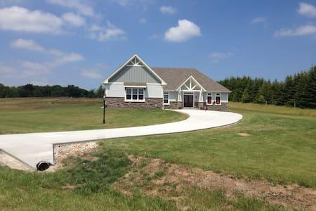 Erin Hills House Rental - Hubertus - Casa