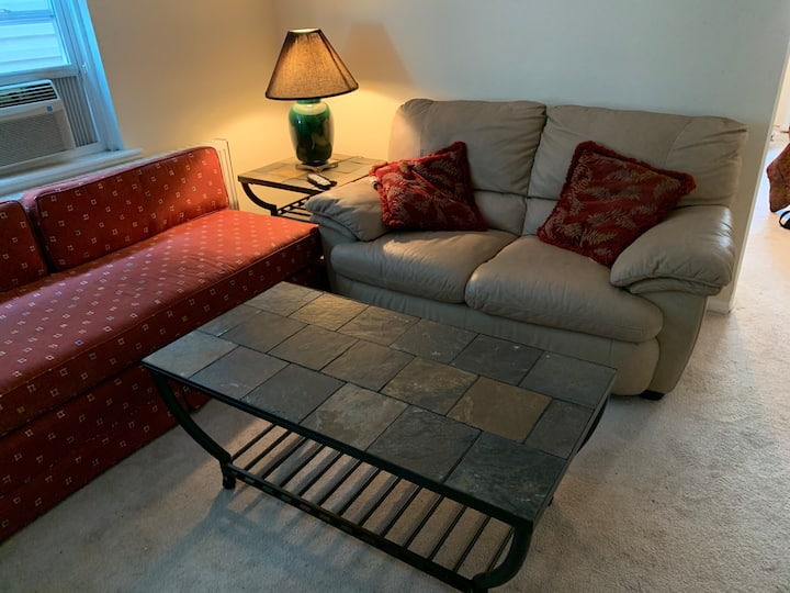 Southside Flat 2bedroom Apartment best deal in twn