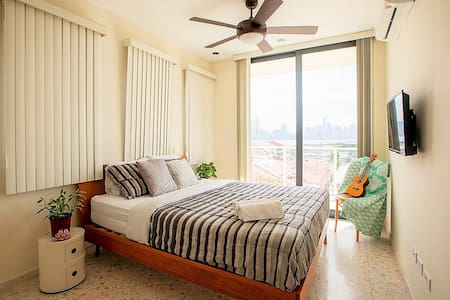 LUXURY 1 BR Home Casco Viejo, Ocean & City View #1