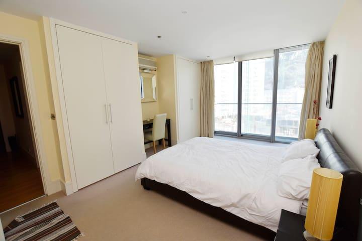 Large Apartment in Tradewinds, Marina Bay - Gibraltar - Apartemen