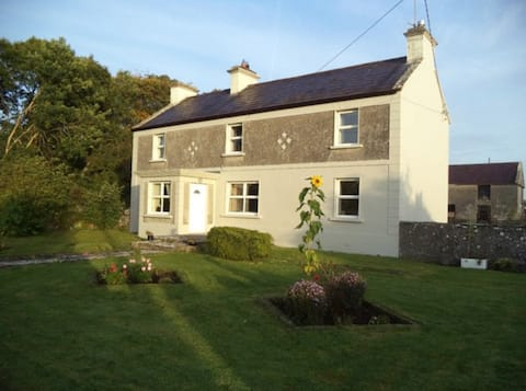 Highgrange Farmhouse; tranquil place for families