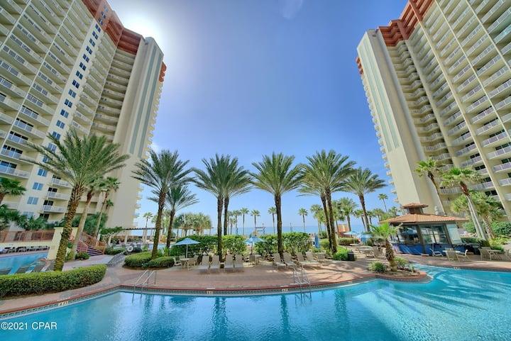 Breathtaking! Oceanfront 2 bed 2 bath condominium